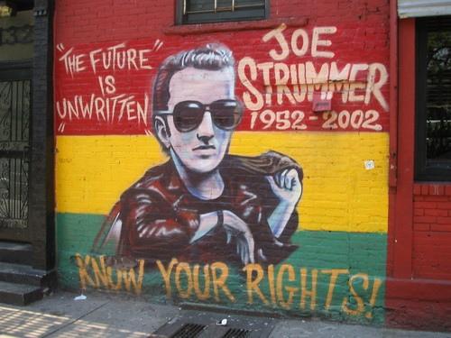 Joe Strummer antecipou os Riots de Londres ! Veja como no Blog Vishows