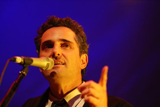 Jorge Drexler no Rio e Sampa com direito a show grátis na Virada Cultural 2013