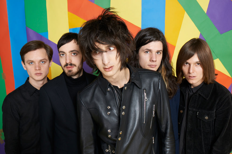 "The Horrors mandam bem no vídeo de ""So Now You Know"""
