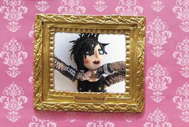 A falta que Siouxsie Sioux faz nos dias atuais + Video Playlist