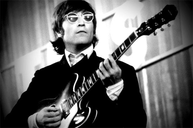 Lembrar de John Lennon é voltar a acreditar na Paz