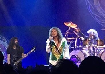 Whitesnake ao vivo em franca decadência apesar das aparências !!
