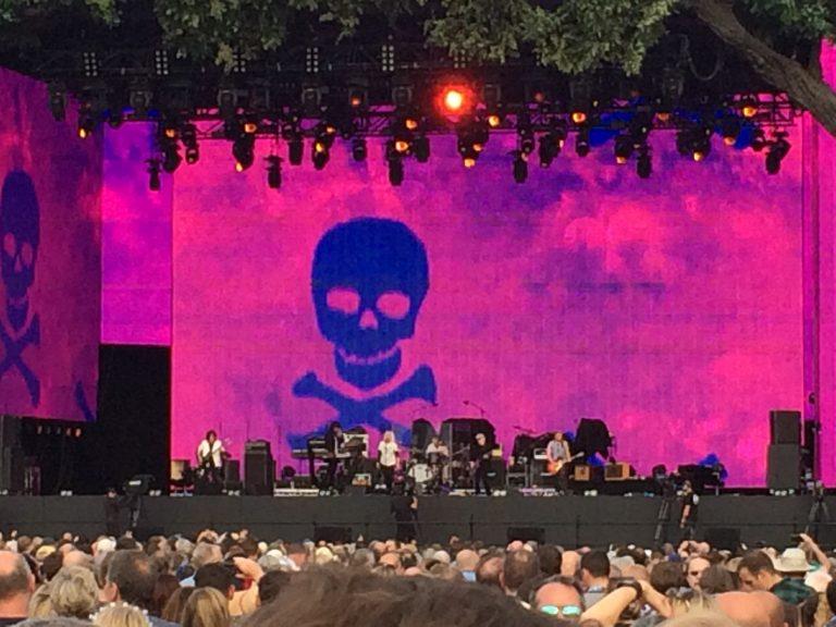 Phil Collins emociona Hyde Park com apresentação da Not Dead Yet Live Tour