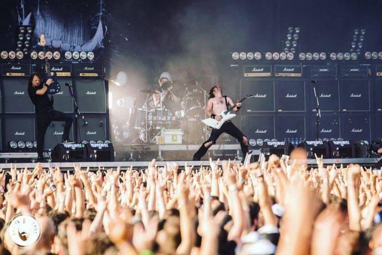Australianos do Airbourne chegam com seu rock clássico para show único em São Paulo