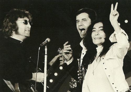 John Lennon e Yoko Ono no Teleton de 1972 apresentado por Jerry Lewis tocam até Reggae – Imperdível