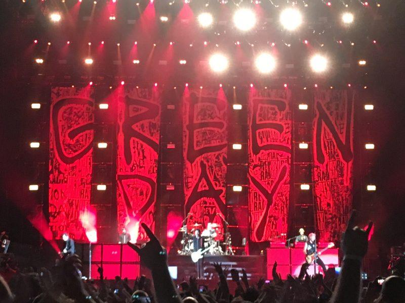 Green Day detona em noite de rock para todas gerações