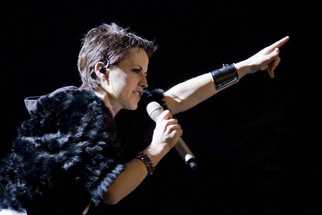 Perfil e Playlist em Homenagem a Dolores O'Riordan – líder dos Cranberries #RIP