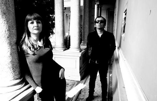 The Limiñanas perfeitos no álbum Shadow People