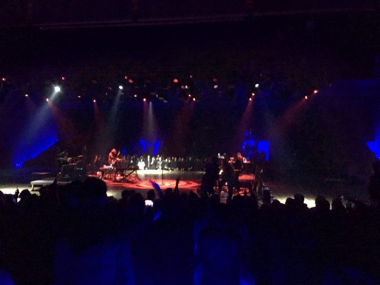 O herói cult Father John Misty estreia em Sampa em noite inspirada