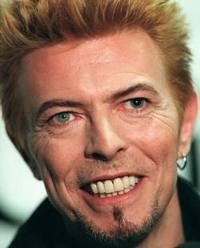 """David Bowie com o vídeo """"The Stars are out Tonight"""""""