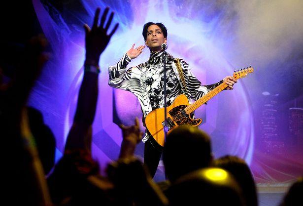 Prince 360° em 21 apresentações no Fórum de Los Angeles (Abril/Maio de 2011)