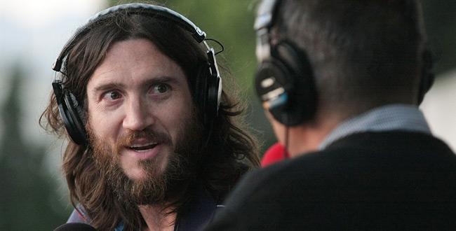 John Frusciante em disco solo direto do espaço