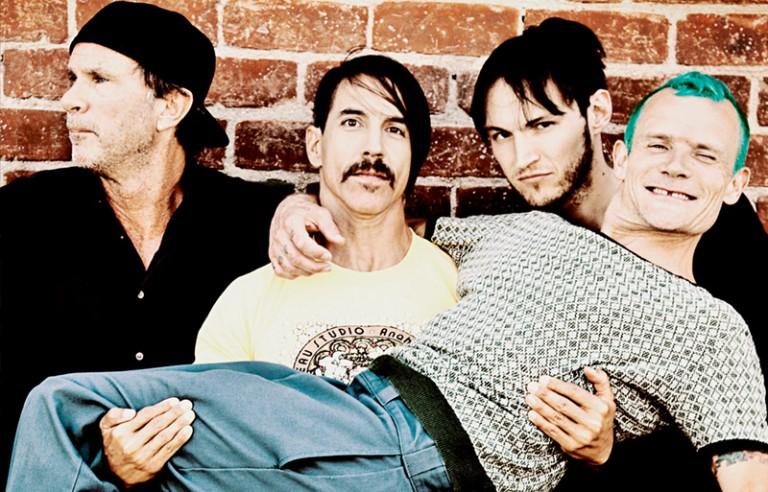 Novo Red Hot Chili Peppers no forno com mixagem de Nigel Godrich