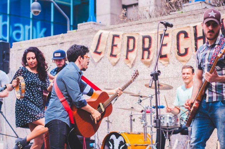 The Leprechaun folkrock paulistano do Pub prá Rua e da Rua pro Mundo