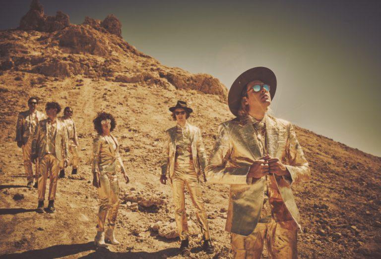 Arcade Fire no aquecimento do Tour Infinit Content no Brasil