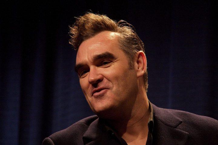 Em Spent the Day in Bed nosso herói Morrissey volta com o estilo de sempre