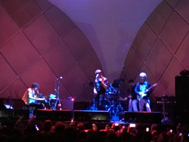 Julian Casablancas + The Voidz e a quase garantia de um não show