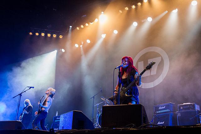 Pra curtir o rock grunge com a volta das garotas do L7 ao Brasil