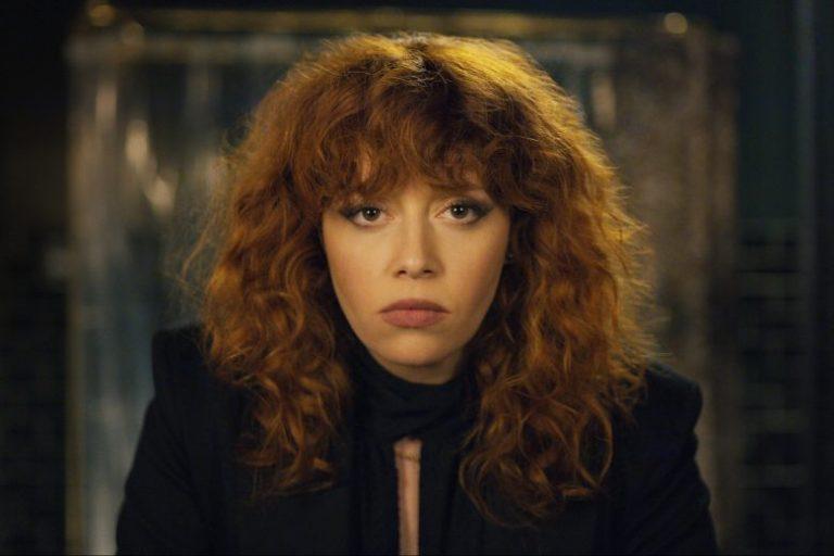 As vidas de Russian Doll / Boneca Russa + canções da série Netflix